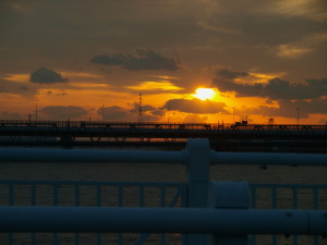 淀川大橋から見た夕日