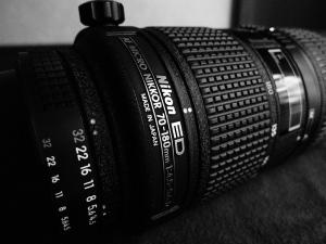 AF MICRO NIKKOR 70-180mm F4.5-5.6 D